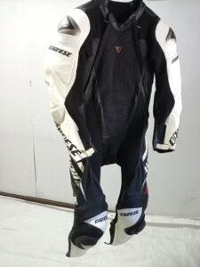 Dainese ダイネーゼ レーシングスーツの袖丈カット修理事例