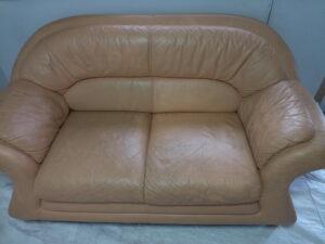 タバコヤニで黒くなったソファのクリーニング修理事例
